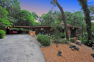 1185 Private Road, Deland | Frank Lloyd Wright Prairie Style Nature Retreat and Horse Farm