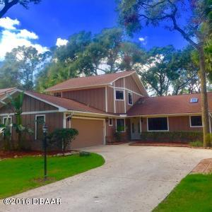 11 Lazy Eight Drive - Golf Course Home in Spruce Creek Fly-In