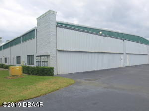 129 Aces Alley, Commercial Hangar in Spruce Creek