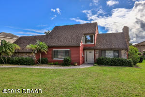 1760 Mitchell Court, Hangar Home in Spruce Creek