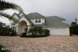 1783 Earhart Ct., Hangar Home in Spruce Creek Fly-In