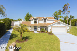 1791 Earhart Ct., Hangar Home in Spruce Creek Fly-In