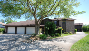 1792 Mitchell Court, Spruce Creek Hangar Home