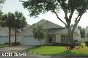 1805 Eagle Crest, Condo Hangar Home in Spruce Creek Fly-In