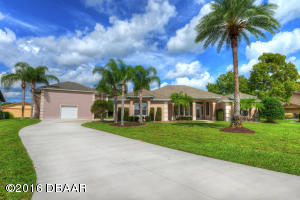 1805 Wiley Post Trail, Hangar Home in Spruce Creek Fly-In