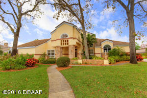 1808 Chandelle Court, Hangar Home in Spruce Creek Fly-In