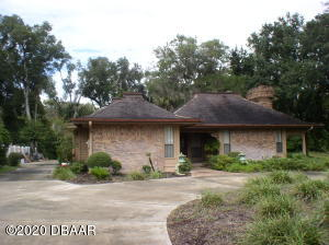 1811 Spruce Creek Blvd., Nature Home in Spruce Creek