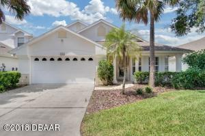 1820 Eagle Crest, Condo Hangar Home in Spruce Creek Fly-In