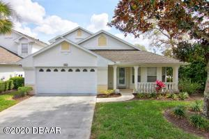1821 Eagle Crest, Condo Hangar Home in Spruce Creek Fly-In