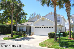 1824 Eagle Crest, Condo Hangar Home in Spruce Creek Fly-In