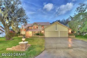 1832 Wiley Post Trail, Hangar Home in Spruce Creek Fly-In