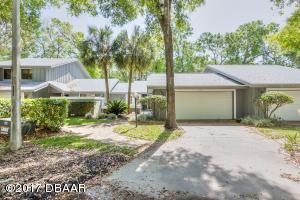1864 Silver Fern Road, Fully Furnished End unit One-Story Golf Villa in Spruce Creek Fly-In
