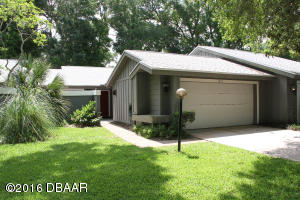 1872 Silver Fern Drive, Villa in The Glens at Spruce Creek