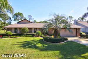 1886 Seclusion Drive, Nature Home in Spruce Creek