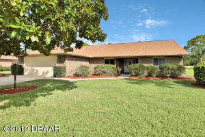 1892 Seclusion Drive, Golf Course Home in Spruce Creek