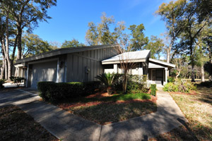 1909 Goldenrod Way, Golf Villas Condo in Spruce Creek