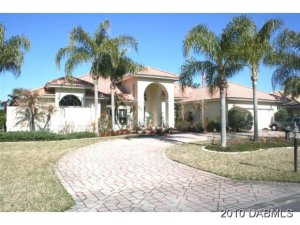 1966 Country Club Dr., Golf Course Home in Spruce Creek