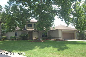 1994 Royal-Saint George, Wedgewood Golf Course Home in Spruce Creek