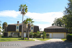 2 Lazy Eight Drive, Hangar Home in Spruce Creek