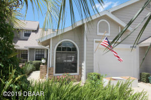 2003 Cornell Place, Condo in Fairway Chase at Spruce Creek