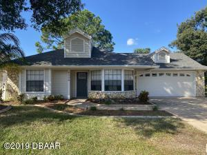 2006 Beaver Creek, Golf Course Home in Turtle Pointe section of Spruce Creek