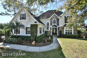 2013 Country Club Drive, Golf Course Home in Spruce Creek