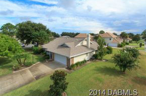 2016 Country Club Drive, Hangar Home in Spruce Creek