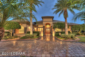 2024 King Air Court, Hangar Home in Spruce Creek