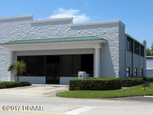 204 Cessna Blvd., Commercial Hangar in Spruce Creek