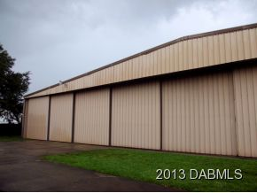 205 Cessna Blvd., Commercial Hangar in Spruce Creek