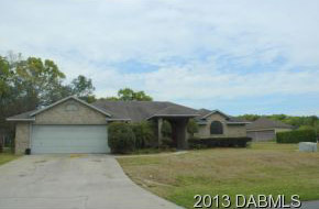 2527 Cross Country Drive, Hangar Home in Spruce Creek Fly-In