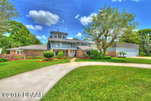 2551 Cross Country Drive, Hangar Home in Spruce Creek