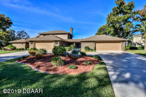2625 Spruce Creek Blvd., Hangar Home at Spruce Creek Fly-In