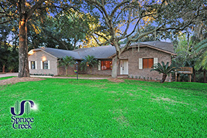 2632 Spruce Creek Blvd. | Renovated Nature Home at Spruce Creek Fly-In