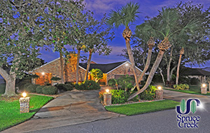 2644 Slow Flight - Spruce Creek Hangar Home