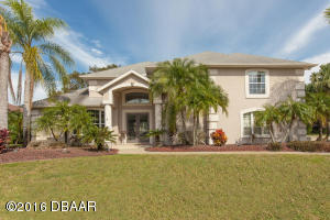 2652 Slow Flight Drive, Contemporary Hangar Home in Spruce Creek Fly-In
