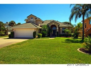 2890 Grumman, Hangar Home in Spruce Creek