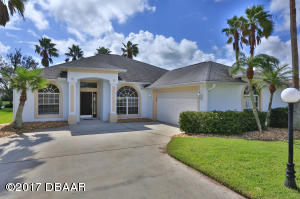 3116 Waterway, Waterfront Pool Home in Spruce Creek Fly-In