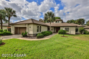 3143 Royal Birkdale | Exquisite 2-BR Patio Home in Wedgewood at Spruce Creek Fly-In