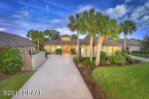 3183 Royal Birkdale | Exquisite 2-BR Patio Home in Wedgewood at Spruce Creek Fly-In