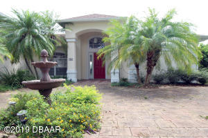 36 Lindy Loop, Hangar Home in Spruce Creek Fly-In