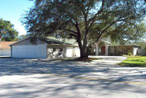 40- Lindy Loop, Hangar Home in Spruce Creek