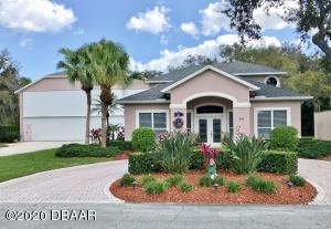 54 Lindy Loop, Hangar Home in Spruce Creek Fly-In